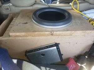 jl audio 13w7 with box and jl audio 1200 hd amp for Sale in Riverdale Park, MD