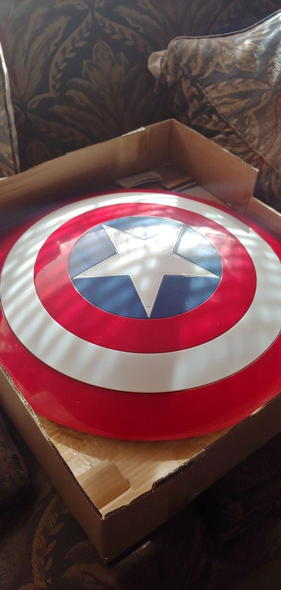 Marvel Legeneds Captain America 80th anniversary Shield