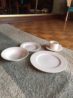 Lattice collection dinnerware for Sale in Warren, MI
