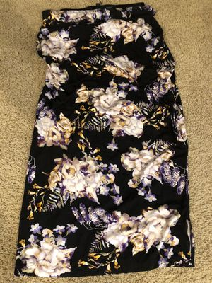 Free two women xlarge tall skirts for Sale in Modesto, CA