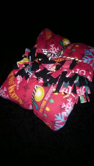Lot of two thick throw blankets for Sale in Groveport, OH
