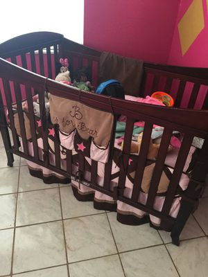 Changing table and crib $100 for Sale in Orlando, FL