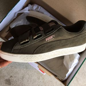 New Women's Puma Shoes for Sale in Shaker Heights, OH