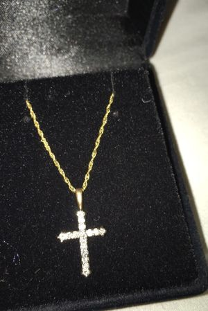 10k Yellow Gold Diamond Cross Dainty Charm Pendant Necklace for Sale in East End, AR