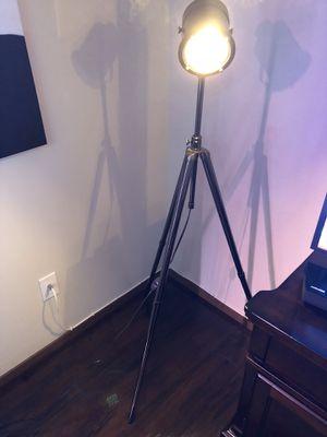 Floor lamp for Sale in Fresno, CA