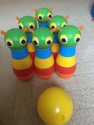 Melissa and Doug toy bowling set for Sale in Los Angeles, CA