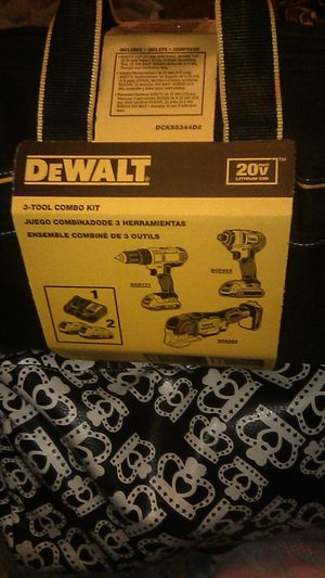 DeWalt 3 tool combo kit drill ,impact and multi tool for Sale in Glendale, AZ