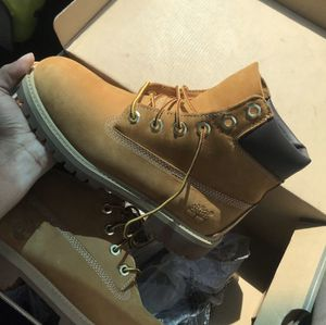 Timberland Boots. FEMALE SZ-4 for Sale in Lewisville, TX