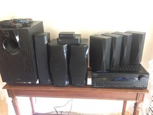 ONKYO Model HT-R560 AV Receiver System with Speakers for Sale in Altamonte Springs, FL