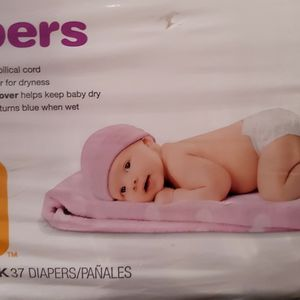 Baby Infant Newborn Diapers Target Up & Up / Pañales Recien Nacido Bebé for Sale in Tolleson, AZ