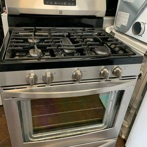 "STAINLESS STEEL GAS STOVE KENMORE 30""W for Sale in Moreno Valley, CA"
