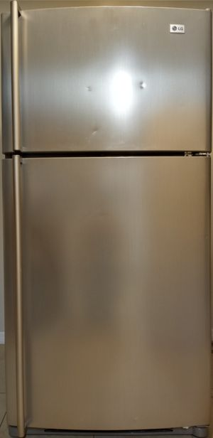 LG stainless steel refrigerator for Sale in Dunnellon, FL