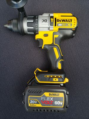 DWALT 20 -VOLT MAX hammer drill,plus flex volt battery for Sale in Tacoma, WA