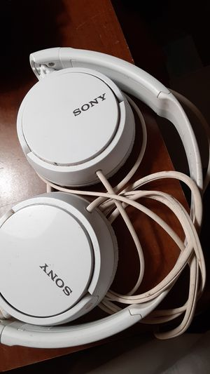 Sony headphones for Sale in Maple Shade Township, NJ