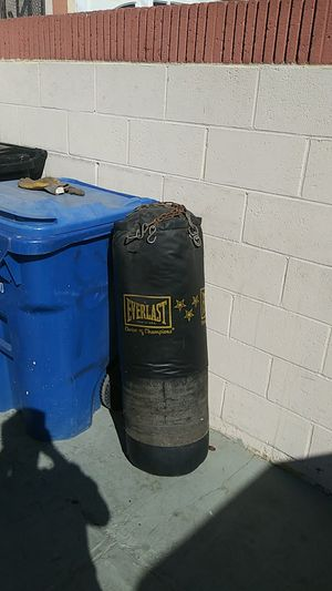 EverLast Choice Of Champions Punching Bag for Sale in Huntington Park, CA