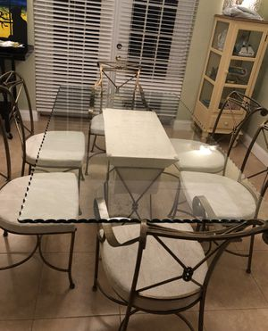 Unique beveled glass top Dining Room table and chairs for Sale in Hollywood, FL