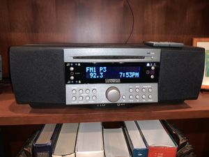 Cambridge Soundworks Radio CD740 Excellent w/remote, built in Sub Awesome Sound for Sale in Portland, OR