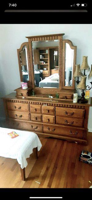 Queen size bedroom set for Sale in Redwood City, CA