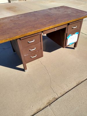 Free free metal/wood top desk 4033 North 76th drive will delete when gone for Sale in Phoenix, AZ