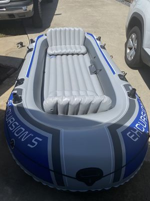 Intex excursion 5 inflatable boat for Sale in Carlsbad, CA