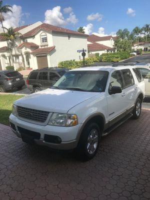 Ford explorer 2005 eddie bauer for Sale in Miami, FL