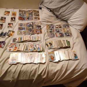 Toppers Deck Baseball Cards Over 500 Of Them Plus 20 Basketball Cards for Sale in Amanda, OH
