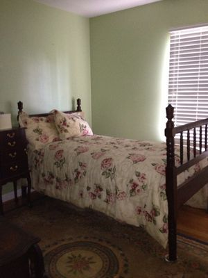 Jenny Lind twin bed day bed for Sale in Martinsburg, WV