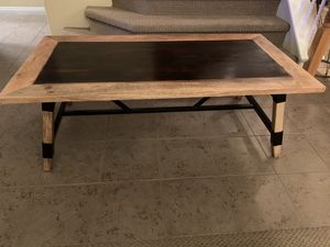 Beautiful Modern Farmhouse Coffee table for Sale in Bakersfield, CA