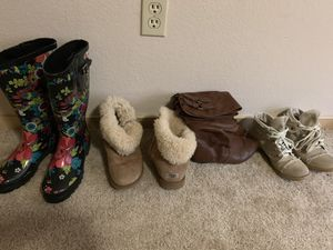 Lot of 4 women's boots Uggs Steve Madden rain boots sz 7 $30 for all for Sale in Puyallup, WA
