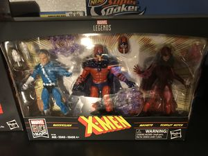 MARVEL LEGENDS X-MEN 80 YEARS QUICKSILVER MAGNETO SCARLET WITCH for Sale in Playa del Rey, CA