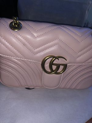 Gucci Women's Marmont GG Bag - Medium for Sale in Seattle, WA