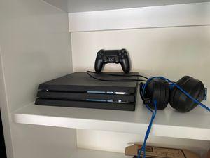 PS4 Pro w/ Head Set for Sale in Ventura, CA