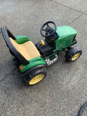 Makita powered John deer kids riding tractor for Sale in Graham, WA