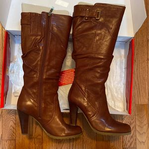 Guess Knee-high Boots Size 8 for Sale in Acworth, GA