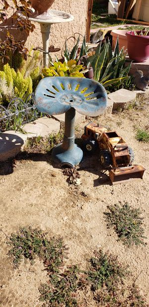 Metal tractor chair for Sale in Apple Valley, CA
