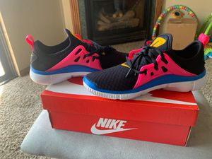 Women's Nike Running Shoes Size 8.5 for Sale in Belleville, IL