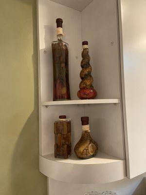 Decorative oils or kitchen accessory for Sale in Hialeah, FL