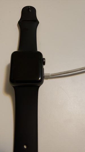 38 mm Apple Watch Series 3 for Sale in St. Louis, MO