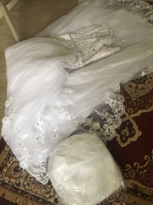 New wedding dress size 14 for Sale in Silver Spring, MD