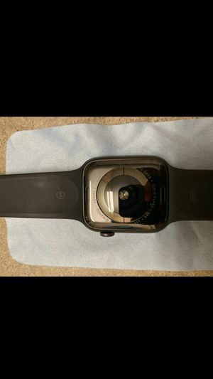 Apple Watch Series 5 CELLULAR + GPS for Sale in St. Augustine, FL