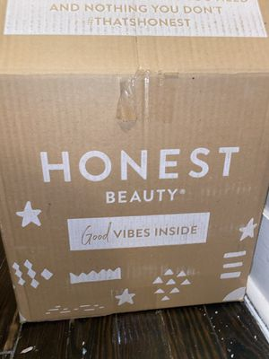 Honest diapers and wipes size 3 for now for Sale in Paterson, NJ