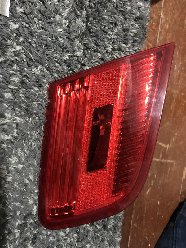 Bmw tail light OEM E92 335i 07-10 right side and left and right inner light