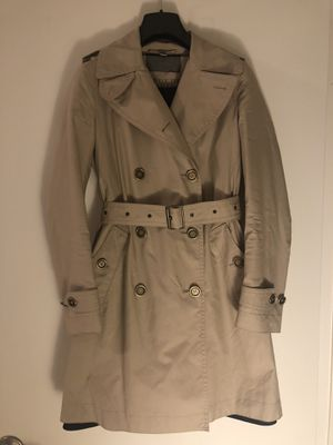 Burberry Brit Women's Trench Coat Size 2 for Sale in New York, NY