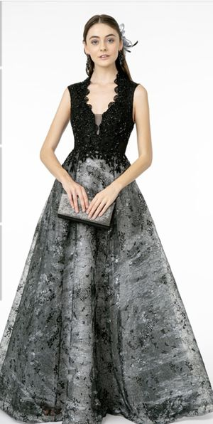 Beautiful dress for Sale in Vernon, CA