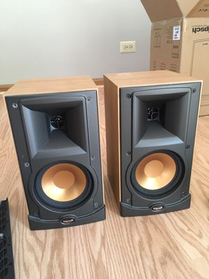 Klipsch RB15 Reference Bookshelf Speakers for Sale in Carol Stream, IL