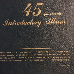 1949 RCA 45 RPM RECORD INTEODUCTORY ALBUM SET WITH BOX COMPLETE for Sale in Oakland, CA