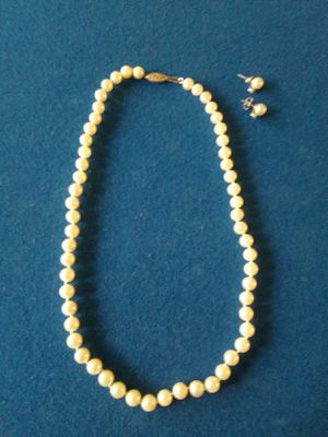 Genuine pearl necklace and earrings set for Sale in Lake Worth, FL