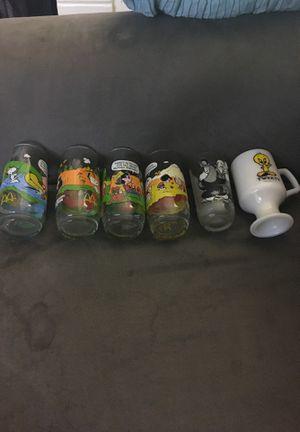Collectible Peanuts and Loony Tone Glasses for Sale in Rancho Cordova, CA