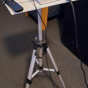 HD Mini Projector for Sale in Quantico, VA