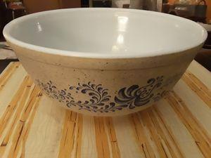 Vintage Pyrex Blue Homestead mixing bowl. 2.5 qt bowl, blue homestead 403 for Sale in Phoenix, AZ